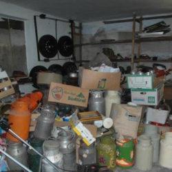 Entrümpelung: Garage mit Müll