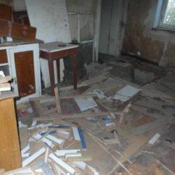Entrümpelung: alte und schadhafte Möbel