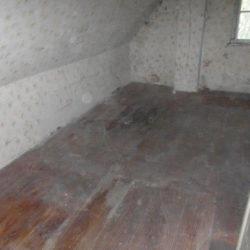 Entrümpelung: leerer Raum im Dachgeschoss