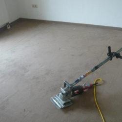 Auflösung von Büro und Betrieb: Reinigungsgerät