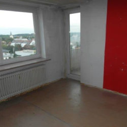 Entrümpelung: Messiwohnung München leergeräumter Raum