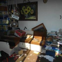 Entrümpelung: Messiwohnung München mit Müll, Büchern und Ordnern