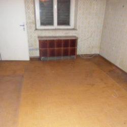 Mietnomaden München: leerer Raum nach Entrümpelung