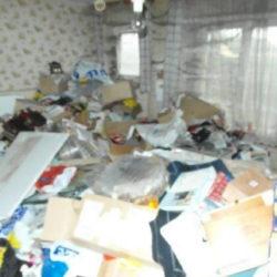 Mietnomaden München: Raum voller Müll