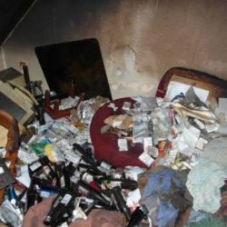 Entrümpelung: Müll und leere Flaschen