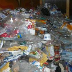 Wohnungsräumung: Plastikmüll